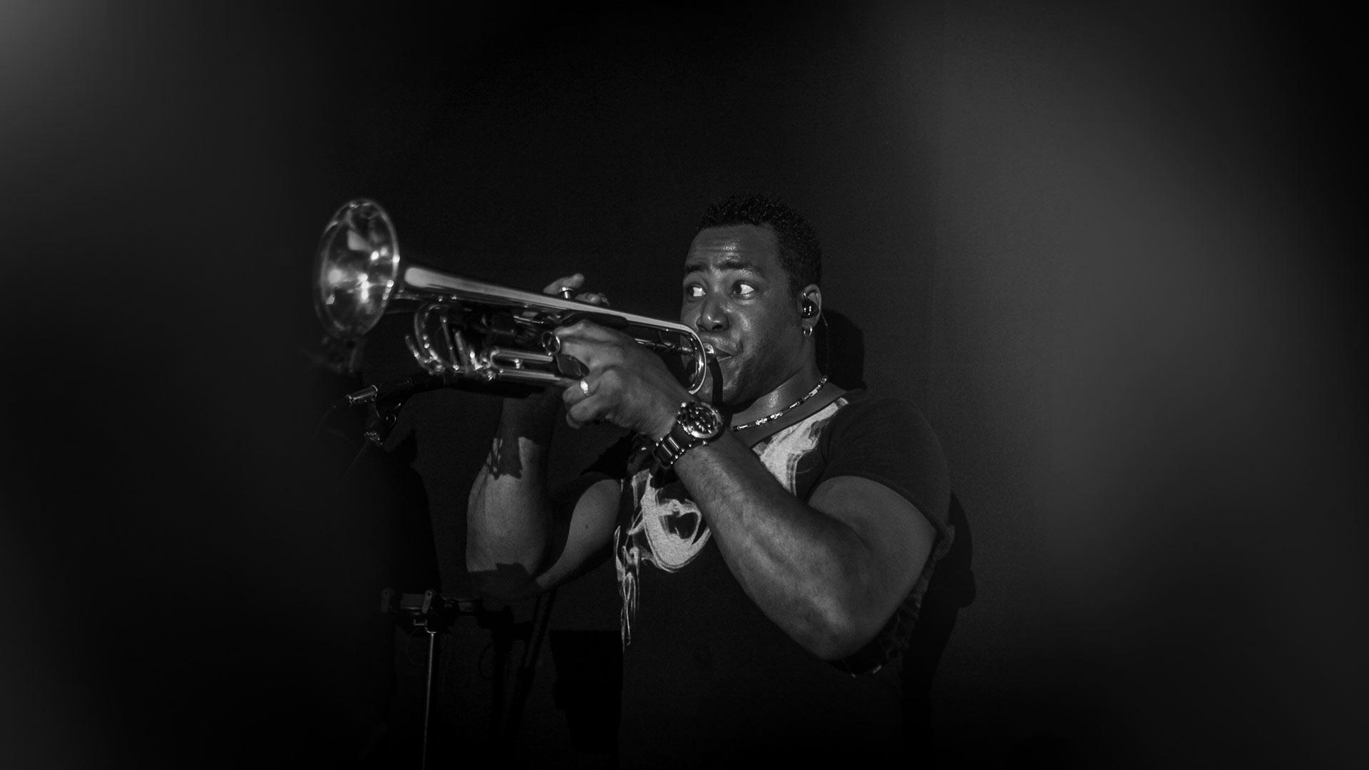 Vaiven Cubano - horns PHOTOGRAPHY©2017ROG-VONMARO